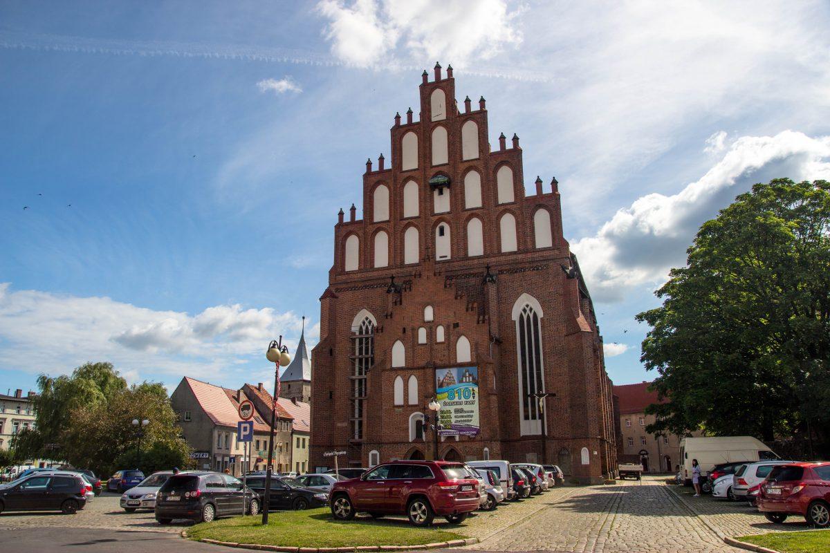 kościół-farny-żary